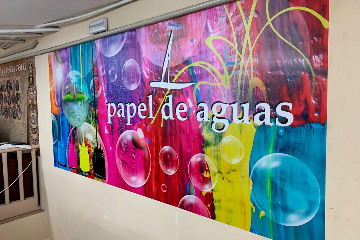 lonas y pancartas en papel de aguas